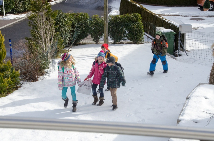 school children in Switzerland , JHT